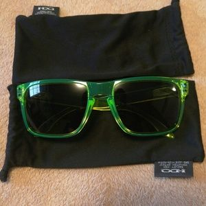 Limited Edition Oakley Holbrook sunglasses green